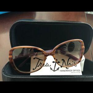 Tres Noir Deveraux Sunglasses
